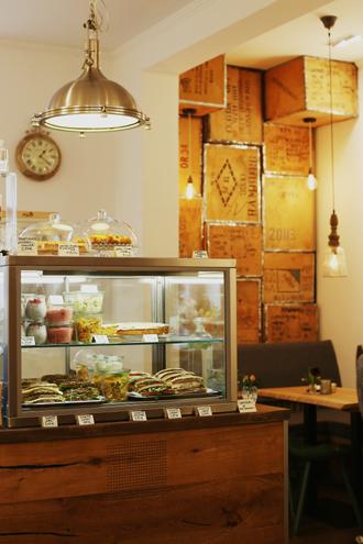 cafe hilda, insider guide kiel, kuestenmerle, vegan